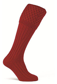 Gunsocks cable stitch, chianti